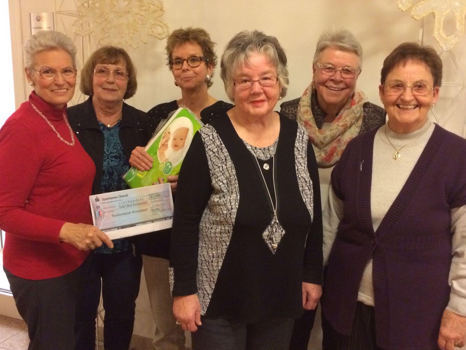 """Seniorenkreis spendet 400 Euro an die """"Tafel"""""""